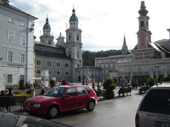 ซาลซ์บูร์ก, ออสเตรีย: mozart plaza