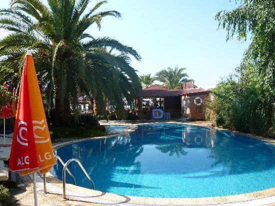 Yali Han Hotel: the pool