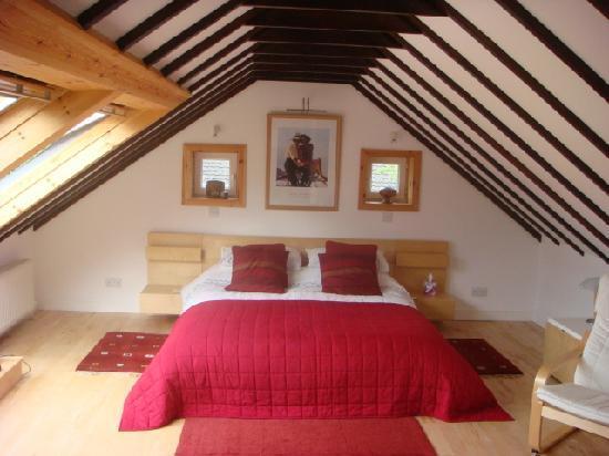 Huntingtower Lodge: Ardgour Room - view 1