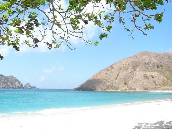 โรงแรมโนโวเทล ลอมบอก: beautifull beach just 10 mn from the hotel
