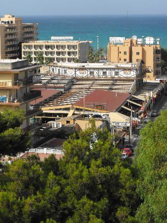 Hotel Riu Playa Park: Vista de los sitios de marcha por la mañana.