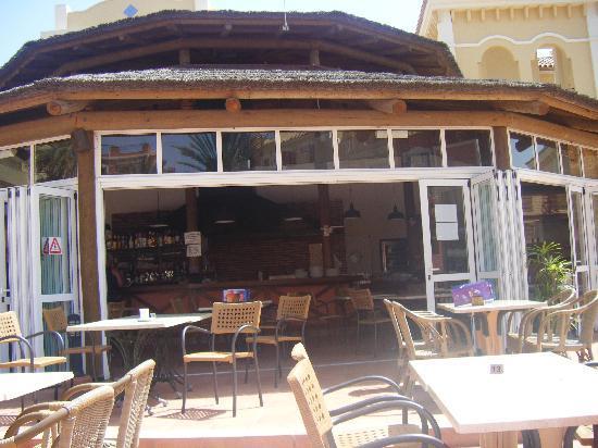 Granada Park Apartments: The Pool Bar