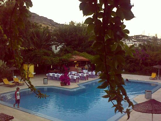 Lemon Tree Hotel: la piscina
