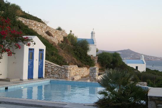Paros Agnanti Resort: Petite Chapelle a l'entrée de l'Hotel