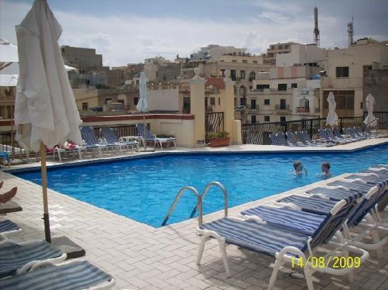 Solana Hotel and Spa: Vista dalla piscina