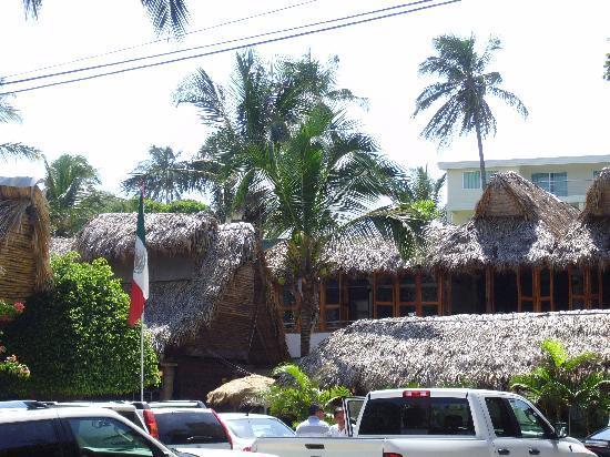 Villa Rica Mocambo: Villa Rica Thatched Roofs