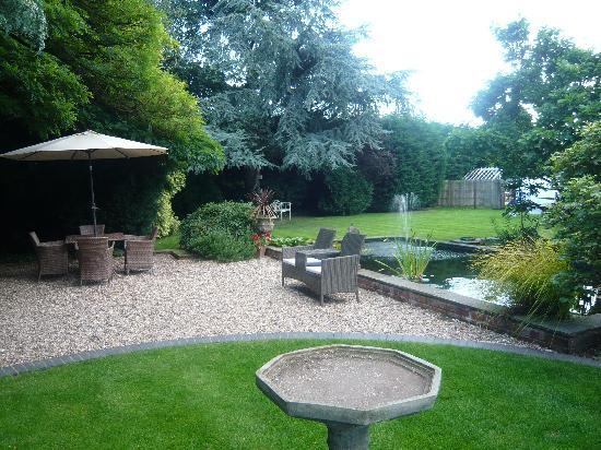 Treherne House & The Malvern Retreat: The beautiful garden