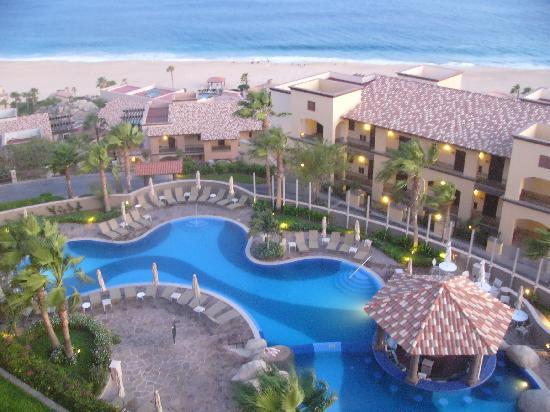 Pueblo Bonito Sunset Beach Golf & Spa Resort: View of the unit pool from our balcony.