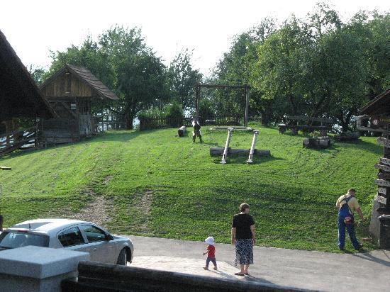 Pri Lazarju: Heaps of room for kids to play