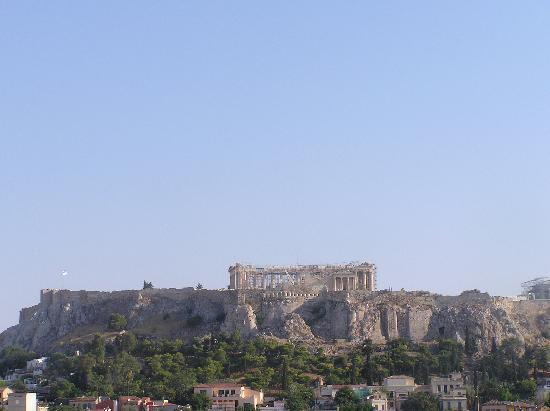 Attalos Hotel: view to Acropolis