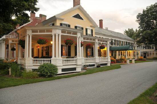 The Inn at Montpelier: Inn at Dusk