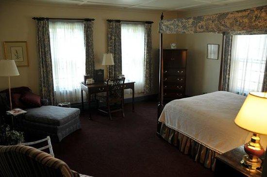The Inn at Montpelier: Room 22