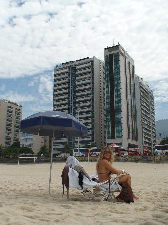 Marina All Suites: playa frente al hotel