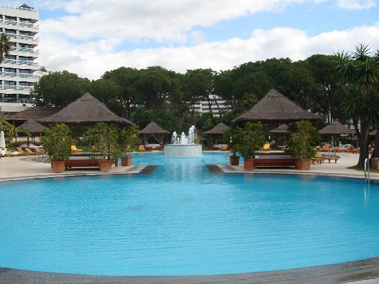 แกรน เมเลียดอนเปเป โฮเต็ล: A nice view of the pools
