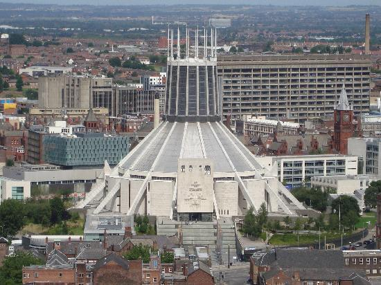 ลิเวอร์พูล, UK: The metropolitan cathedral seen from the roof of the anglican cathedral