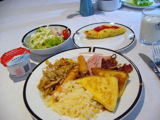 โรงแรม บางกอกเซ็นเตอร์: 朝食