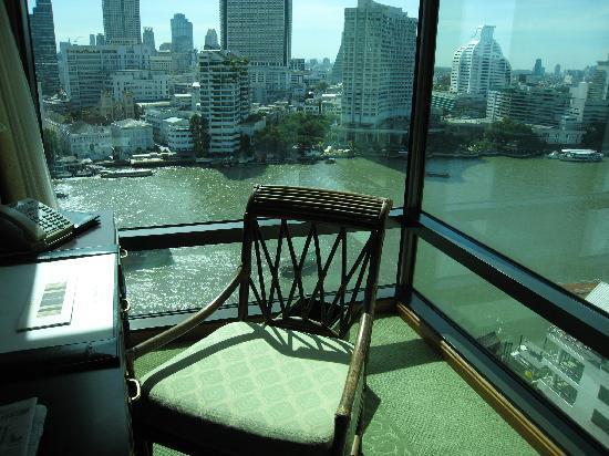 โรงแรมเพนนินซูลา กรุงเทพฯ: 部屋(15階)からの眺め