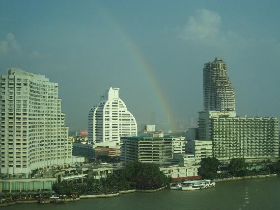 โรงแรมเพนนินซูลา กรุงเทพฯ: 虹が見えた