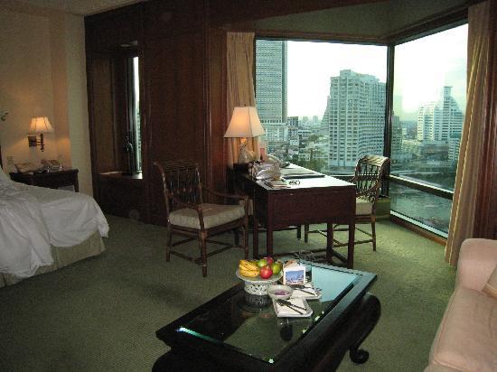 โรงแรมเพนนินซูลา กรุงเทพฯ: 部屋には常にフルーツが
