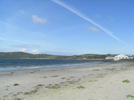 Tigh Cargaman Holiday Cottages: Port Ellen Beach