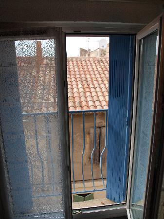 Hotel Porte de Camargue: room window