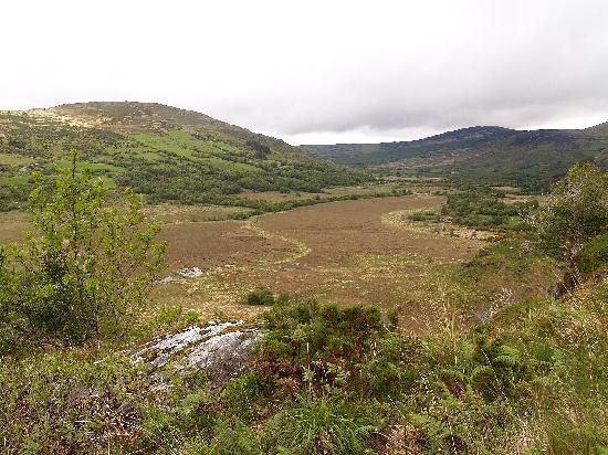 เคนแมร์, ไอร์แลนด์: Valley south of Kilgarvan