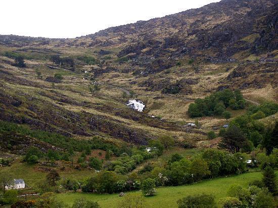 เคนแมร์, ไอร์แลนด์: The pass between Kilgarvan and Kealkill