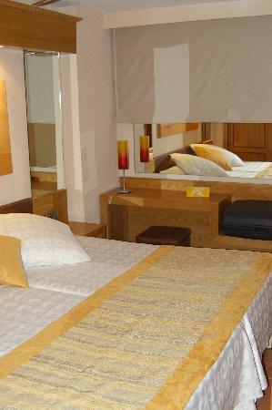 Iberostar Suites Hotel Jardín del Sol: sleeping room