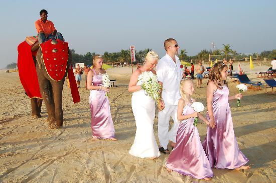 ฮอลิเดย์ อินน์ รีสอร์ท กัว: A wedding on the Beach
