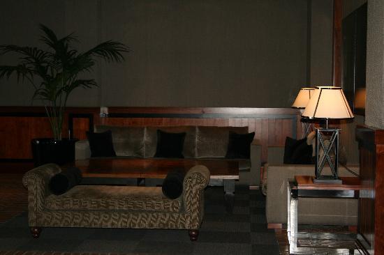 Hotel 1898: The lobby !