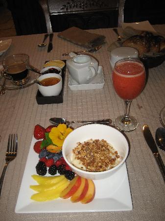 A Aurore Boreale: A sample of their vegan breakfast.