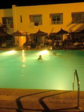 Diar Yassine: pool at night