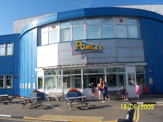 Pontin's Camber Sands Centre: Main building