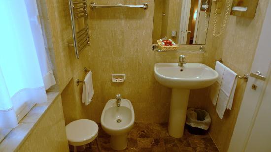 โรงแรมเบตโตคา แอตลานติโก: Bathroom