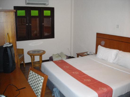 โรงแรมปูริ: Bedroom