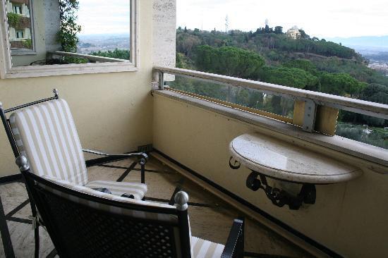 โรงแรมโรมคาวาเลียริวัลดอร์ฟแอสโทเรียแอนด์รีสอร์ท: Terrace