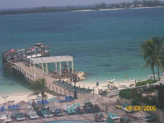 Sandals Royal Bahamian Spa Resort & Offshore Island: View from  patio