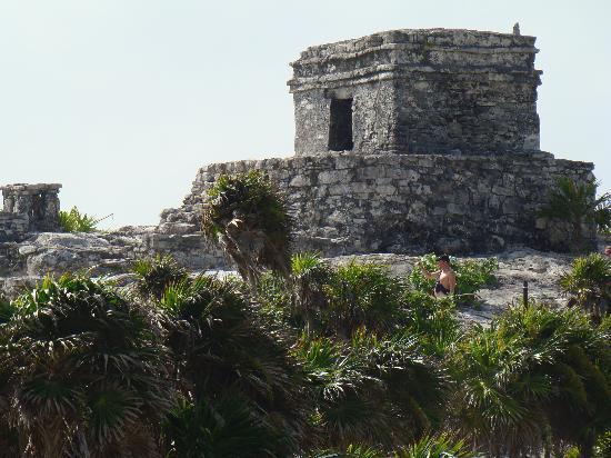 ซากเมืองมายันแห่งทูลุม: Some ruins.