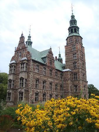 ปราสาทโรเซนเบิร์ก: Rosenborg Castle