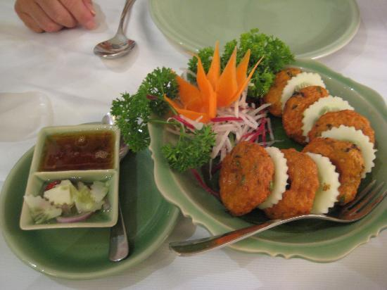 Celadon: Fish cake