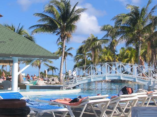 TRYP Cayo Coco: piscine et plage