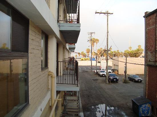 Hotel Erwin: Spot the ocean