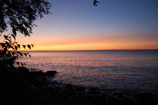 Bob's Cabins on Lake Superior's North Shore: Sunrise from cabin