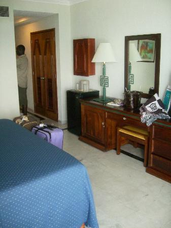 Hotel Riu Caribe: Room