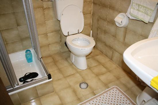 Hotel Pider: Il ritorno dell'acqua dalla doccia