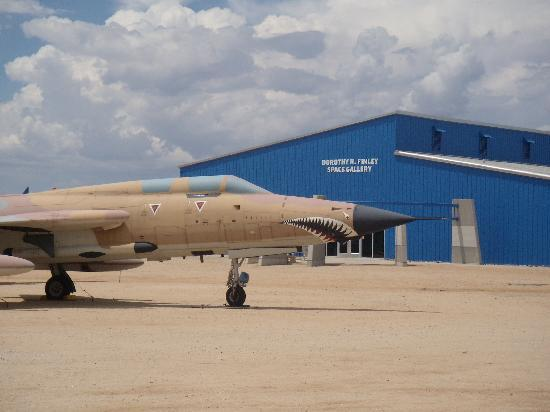 Pima Air & Space Museum: The Face Is To Scare the Opponent