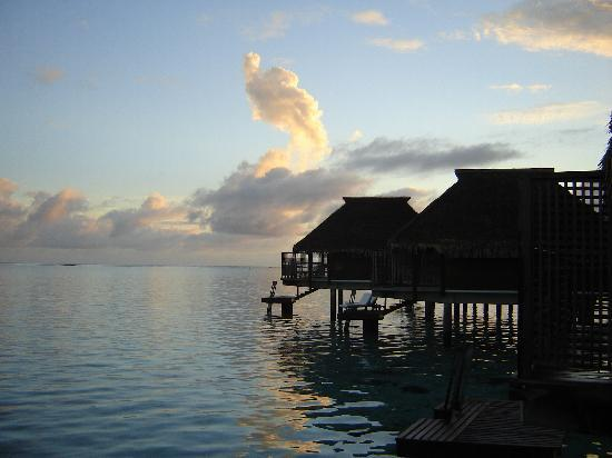 Hilton Moorea Lagoon Resort & Spa: sunrise from an overwater bungalow