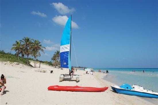 Gran Caribe Club Atlantico: Yes, really, that is the beach!