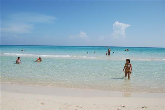 Gran Caribe Club Atlantico: more idyllic beach - you can mingle with locals too here