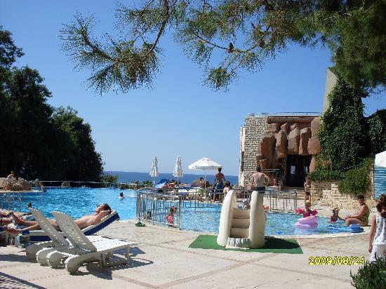 Melas Holiday Village: une des nombreuses piscines